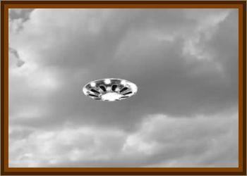 Mass Sighting Of A Sky Saucer